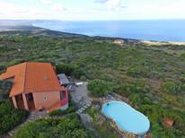 Ferienwohnung 1339778 für 10 Personen in Isola Rossa