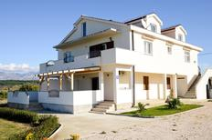 Ferienwohnung 1341058 für 8 Personen in Krneza
