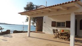 Ferienhaus 1342489 für 5 Personen in Isola Rossa