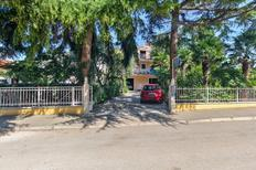 Holiday apartment 1345952 for 3 persons in Savudrija