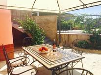 Maison de vacances 1346065 pour 6 personnes , Trecastagni