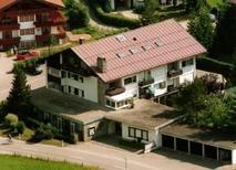Ferienwohnung 1346880 für 2 Erwachsene + 2 Kinder in Oberstdorf