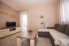 Mieszkanie wakacyjne 1348145 dla 4 dorosłych + 2 dzieci w Lopar