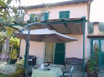 Semesterhus 1350892 för 3 vuxna + 1 barn i La Spezia