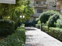 Appartement 1351659 voor 2 personen in Trani