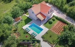 Ferienhaus 1352718 für 8 Personen in Dugopolje