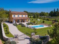 Villa 1354835 per 8 persone in Grožnjan