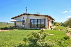 Ferienhaus 1360556 für 4 Personen in San Venanzo