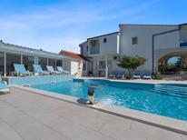 Ferienhaus 1360854 für 14 Personen in Neoric