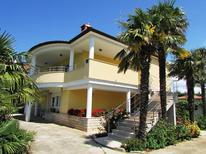 Ferienwohnung 1362887 für 5 Personen in Punta