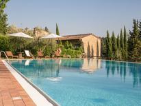Appartement 1363783 voor 5 personen in Ulignano