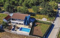 Ferienhaus 1364095 für 8 Personen in Primorski Dolac
