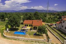 Ferienhaus 1364540 für 8 Personen in Santalezi