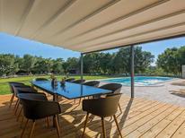 Villa 1365241 per 10 persone in Belavici
