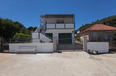 Villa 1366563 per 5 persone in Tkon