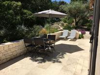 Villa 1367585 per 12 persone in Eyragues
