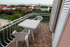 Appartamento 1367975 per 5 persone in Sveti Filip i Jakov