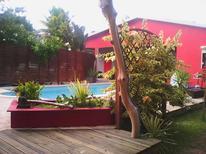 Ferienhaus 1369915 für 4 Personen in Sainte-Anne