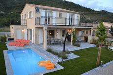 Casa de vacaciones 1370305 para 8 personas en Castellane