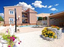Villa 1370346 per 10 persone in Belavici