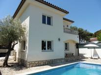 Holiday home 1370813 for 9 persons in l'Escala