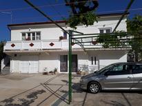 Ferienwohnung 1371057 für 4 Personen in Kampor