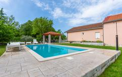Holiday home 1371111 for 8 persons in Neoric