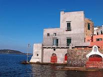 Appartement 1376092 voor 5 personen in Ischia Ponte