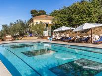 Vakantiehuis 1377553 voor 16 personen in Mondavio