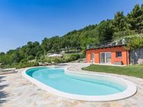 Vakantiehuis 1377554 voor 8 personen in Montefelcino
