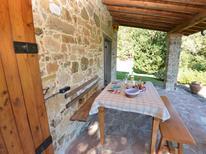Vakantiehuis 1377556 voor 4 personen in Longoio-Mobbiano