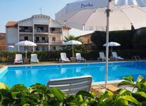 Ferienwohnung 1378815 für 4 Erwachsene + 2 Kinder in Isola di Capo Rizzuto