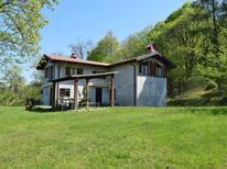 Ferienhaus 1379036 für 10 Personen in Porto Valtravaglia