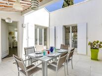 Villa 1380422 per 6 persone in Les Issambres