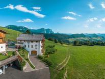 Ferielejlighed 1381359 til 5 personer i Sankt Ulrich in Groeden