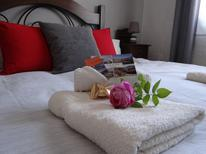 Room 1384126 for 2 persons in Almogia