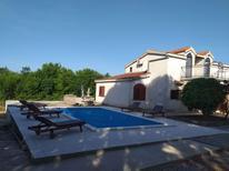 Vakantiehuis 169561 voor 11 personen in Pridraga