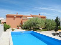 Holiday apartment 219923 for 4 persons in Brzac