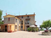 Ferienwohnung 332933 für 6 Personen in Pescia