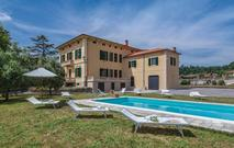 Gemütliches Ferienhaus : Region Balbano für 12 Personen