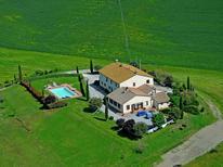 Appartement 351894 voor 6 personen in Contignano