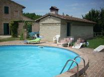 Ferienwohnung 359279 für 7 Personen in Bevagna