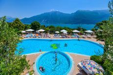 Stacaravan 361905 voor 5 personen in Limone Sul Garda