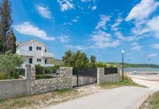 Ferienwohnung 370415 für 5 Personen in Ljubač bei Zadar