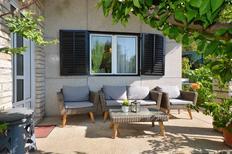 Semesterlägenhet 388332 för 8 personer i Trogir