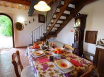 Ferienwohnung 392533 für 5 Personen in Montecarotto