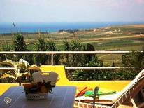 Studio 393699 for 3 adults + 1 child in Sciacca