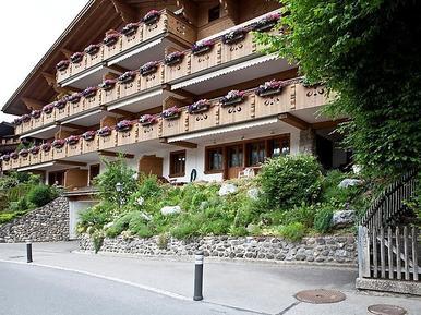 Ferienwohnung 394985 für 4 Personen in Gstaad