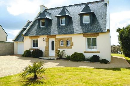 Holiday home 400942 for 6 persons in Plouescat