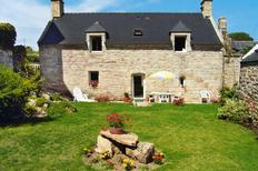 Holiday home 401788 for 5 adults + 1 child in Plouhinec bei Quimper